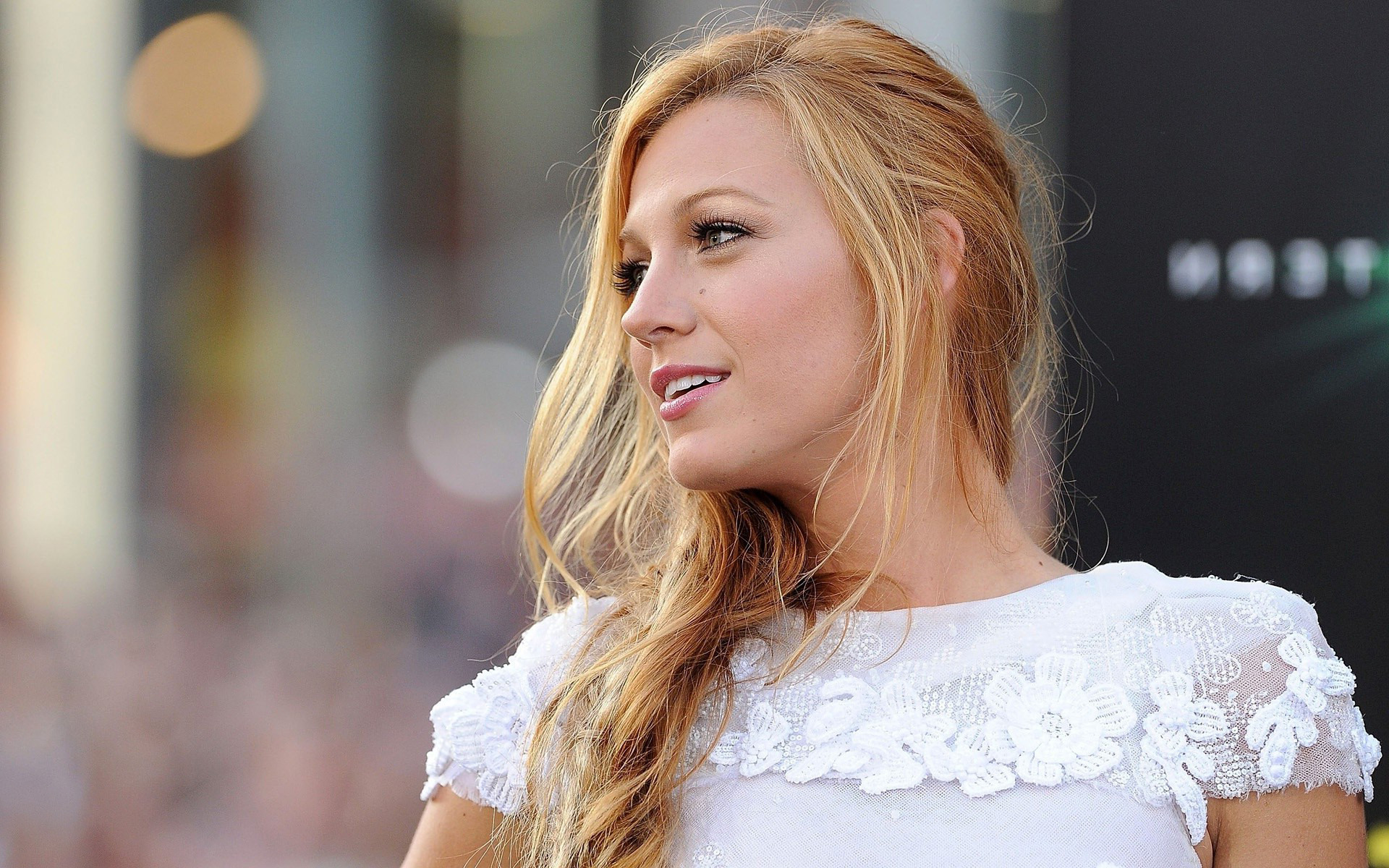 Get To Know The Gorgeous Ms. Blake Lively   Articlestone