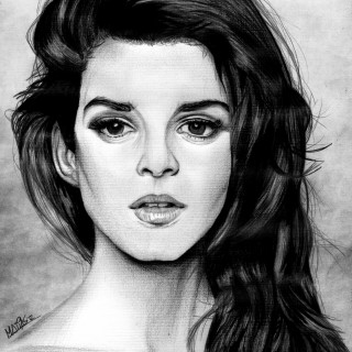 Clara Lago photos