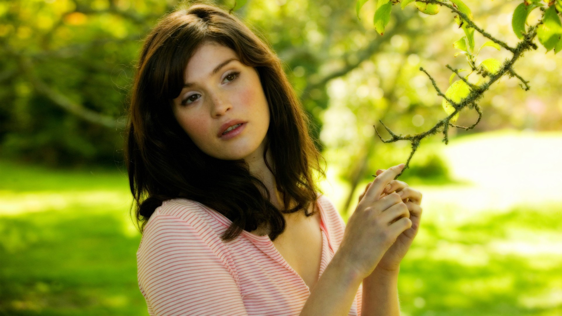 Gemma Arterton HD Wallpapers