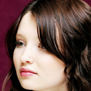 Emily Browning photos