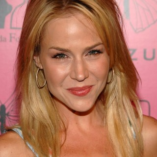 Julie Benz wallpapers desktop