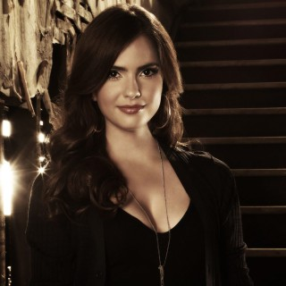 Shelley Hennig widescreen