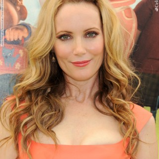 Leslie Mann download wallpapers