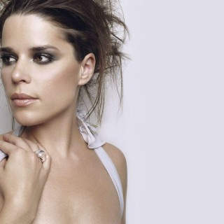 Neve Campbell download wallpapers