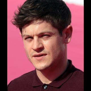 Iwan Rheon download wallpapers