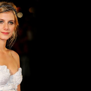 Melanie Laurent photos