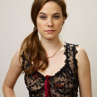Caroline Dhavernas photos