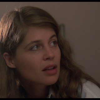 Linda Hamilton download wallpapers