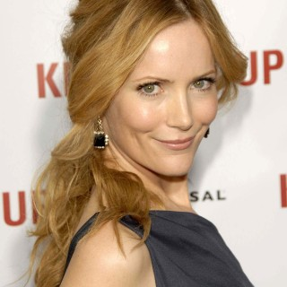 Leslie Mann background
