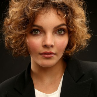 Camren Bicondova hd wallpapers