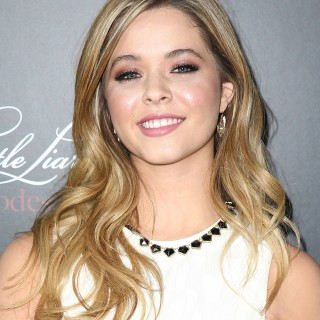 Sasha Pieterse wallpapers desktop