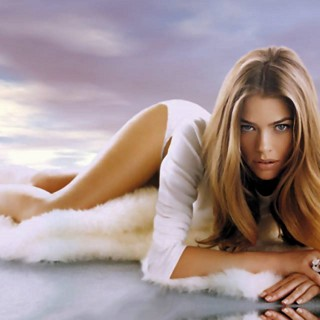 Denise Richards download wallpapers