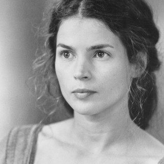 Julia Ormond wallpapers