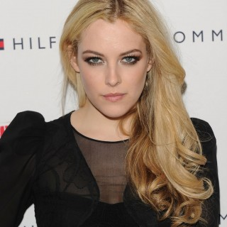Riley Keough background