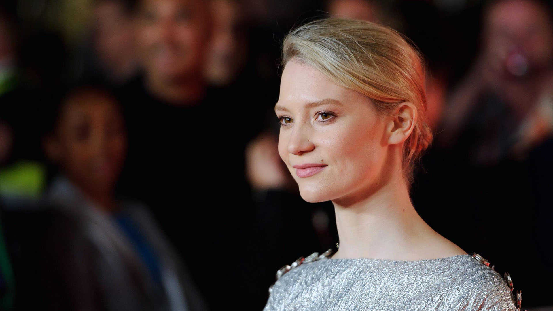 Mia Wasikowska high resolution wallpapers