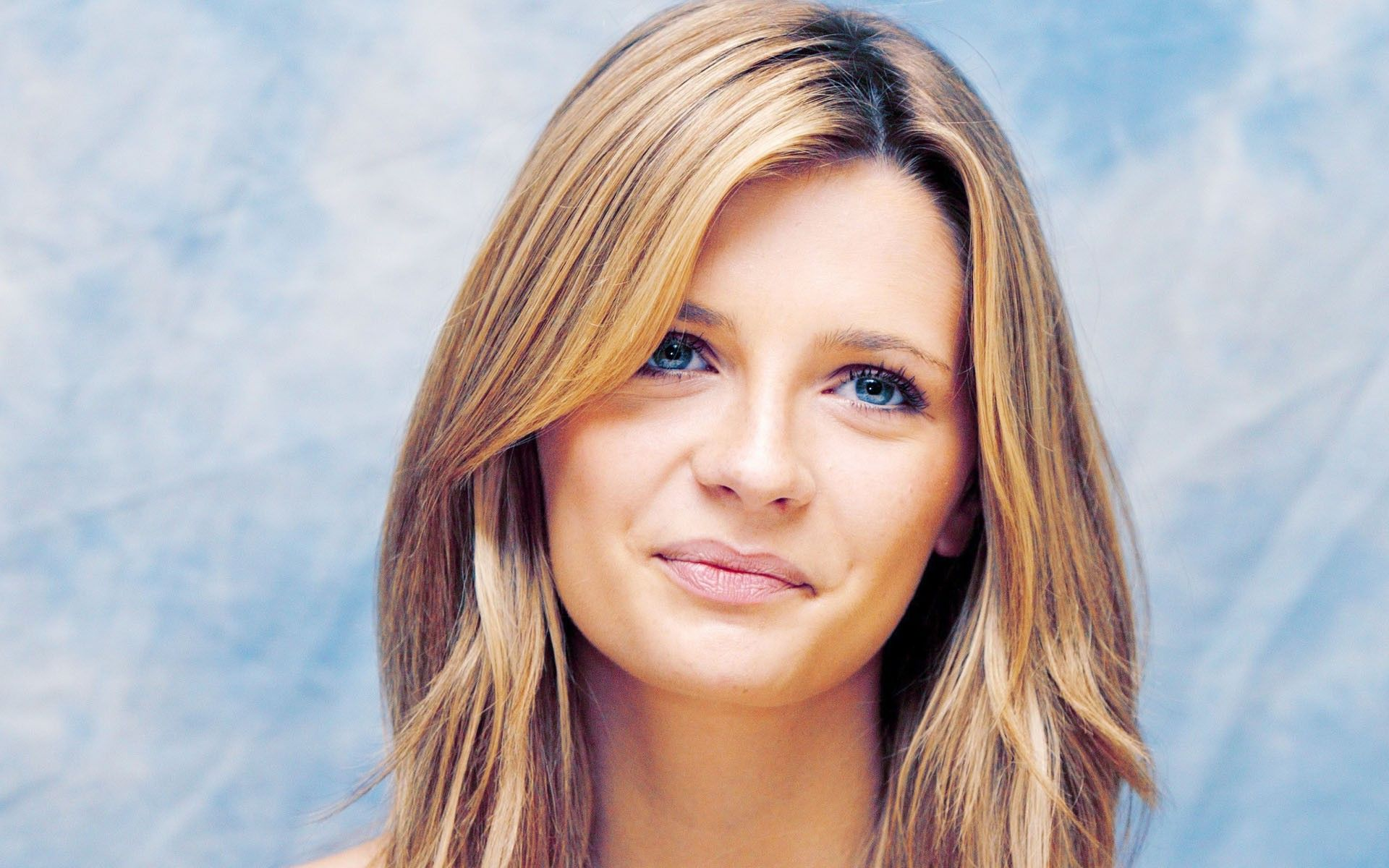 Mischa Barton free wallpapers
