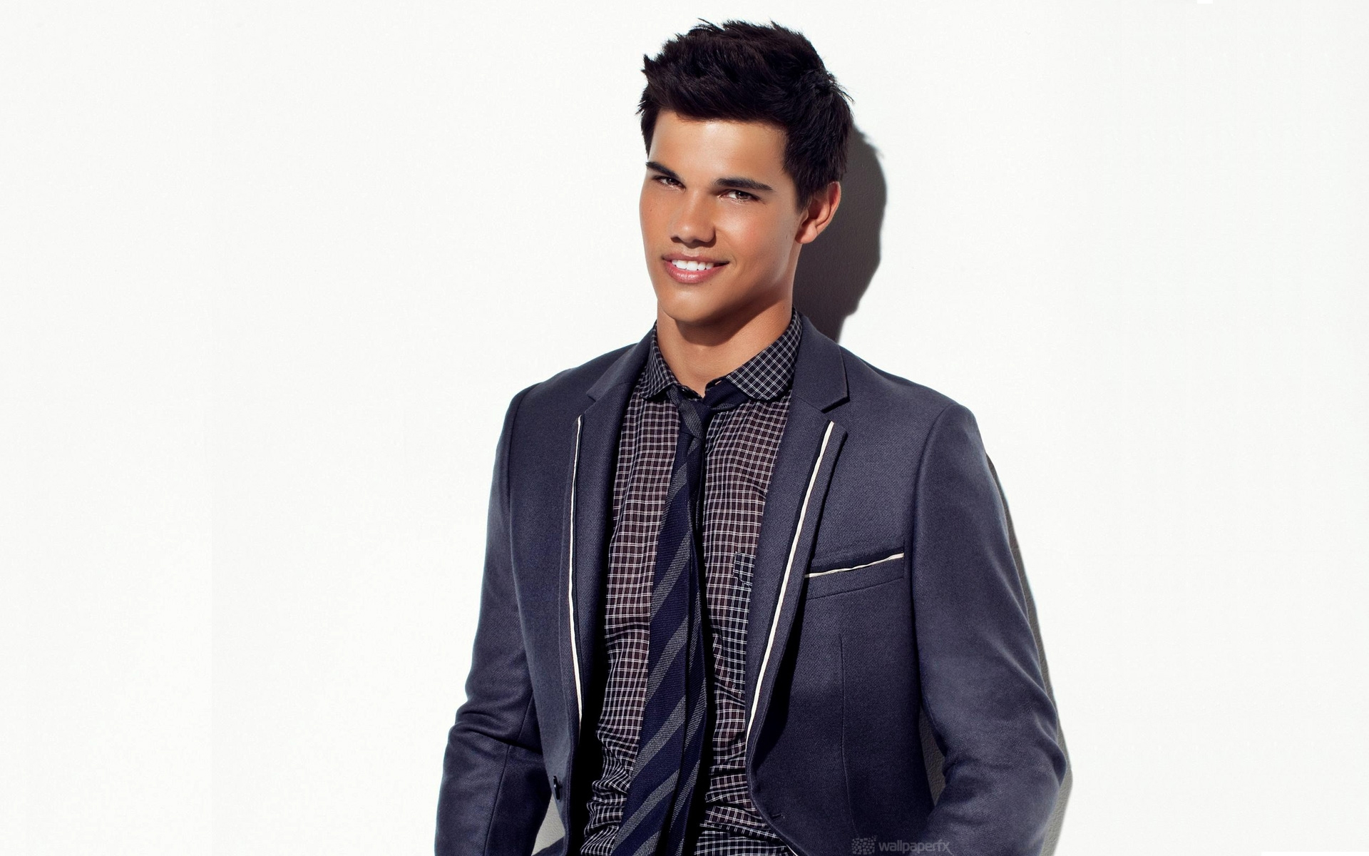 Taylor Lautner HD Wallpapers