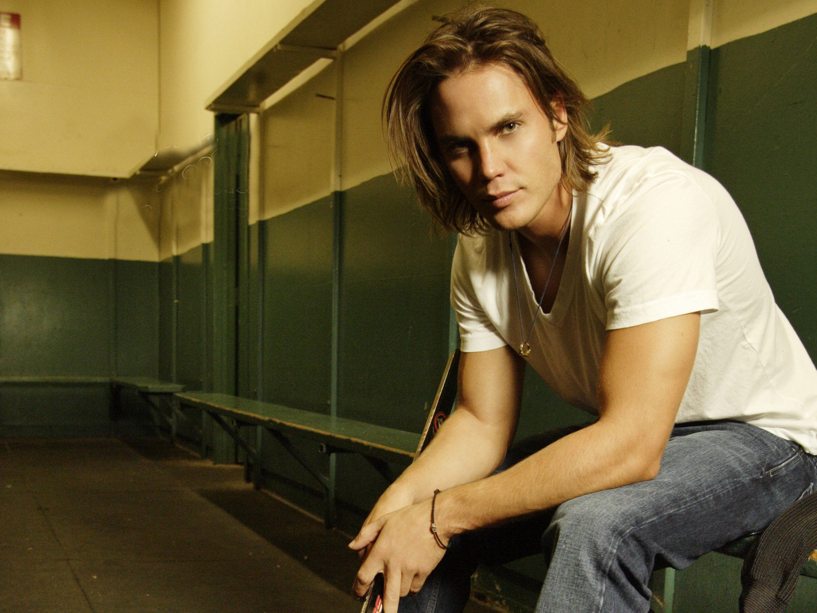 Taylor Kitsch HD Wallpapers