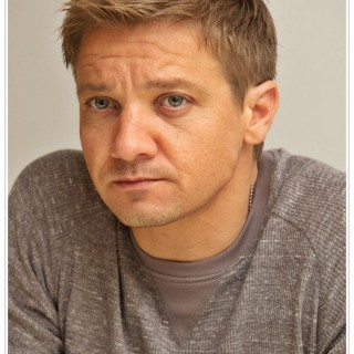 Jeremy Renner background