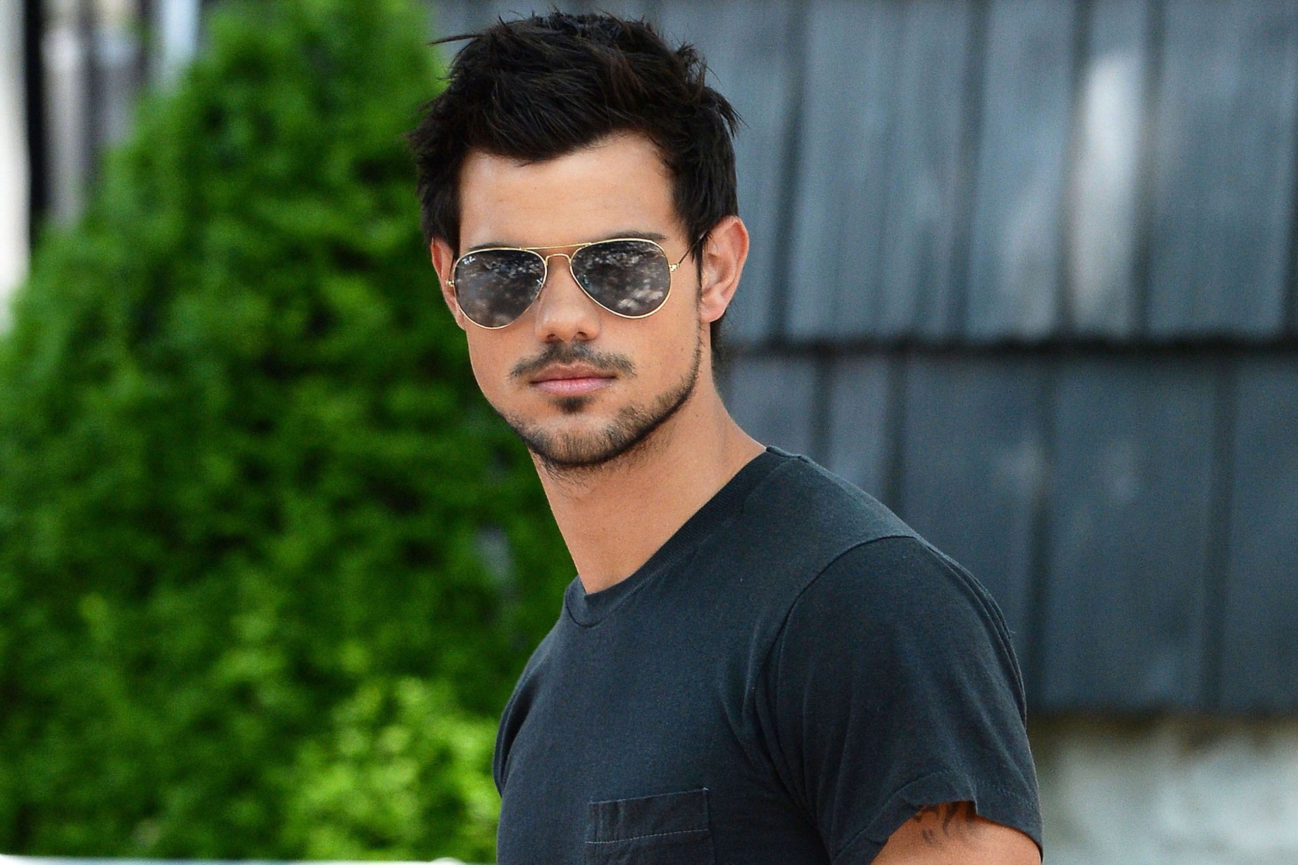 Taylor Lautner HD Wallpapers for desktop download Taylor Lautner
