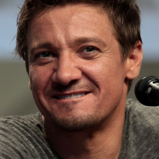Jeremy Renner download wallpapers