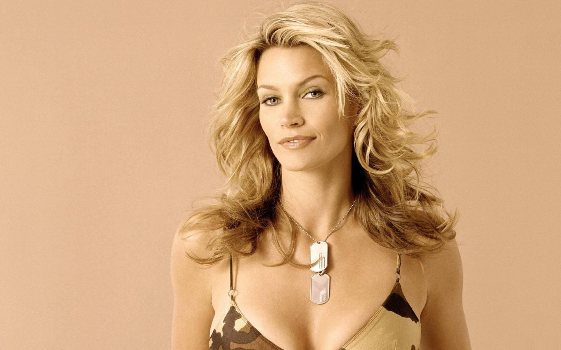 Natasha Henstridge HD Wallpapers
