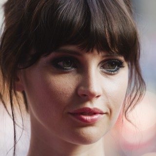 Felicity Jones download wallpapers