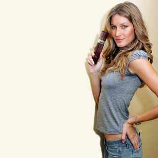 Gisele Bundchen widescreen