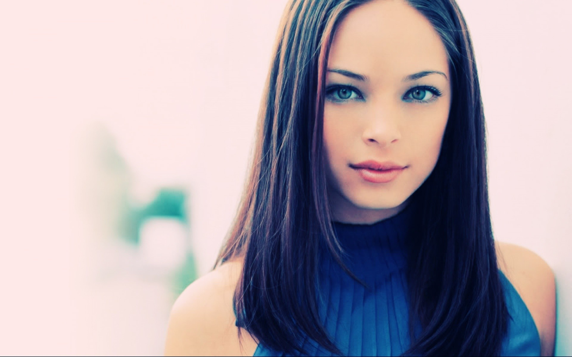 Kristin Kreuk HD Wallpapers
