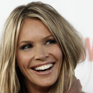 Elle Macpherson download wallpapers