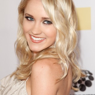 Emily Osment wallpapers desktop