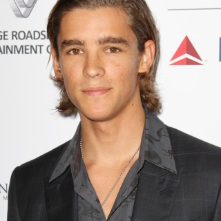 Brenton Thwaites photos