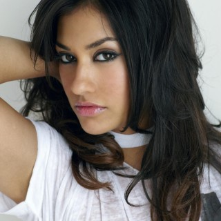 Janina Gavankar hd wallpapers