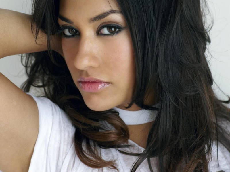 Janina_Gavankar_Photos11