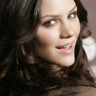 Katharine Hope McPhee hd wallpapers