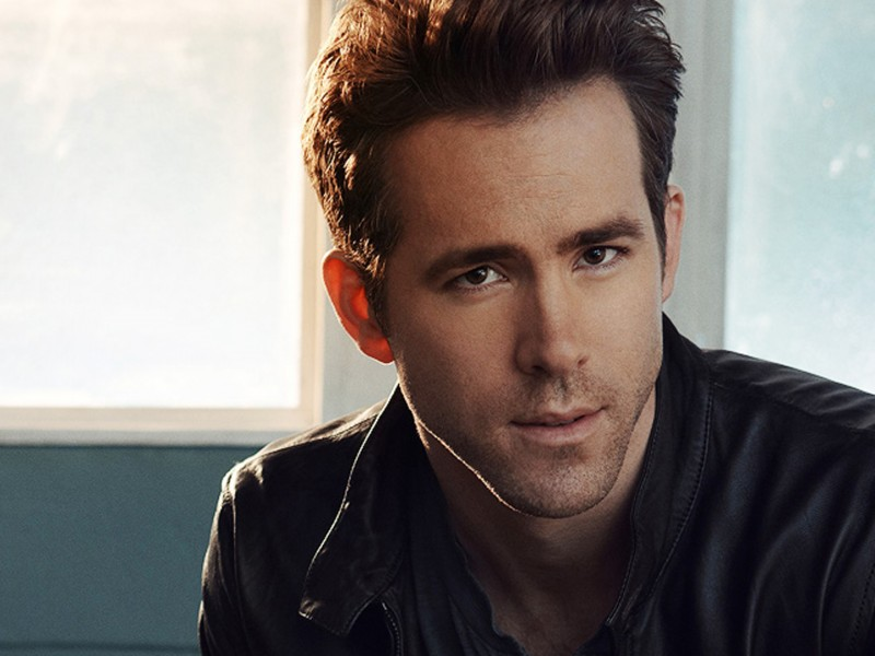 Ryan-Reynolds-Wallpapers-08