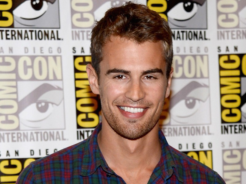 Theo-James-High-Definition-Wallpapers