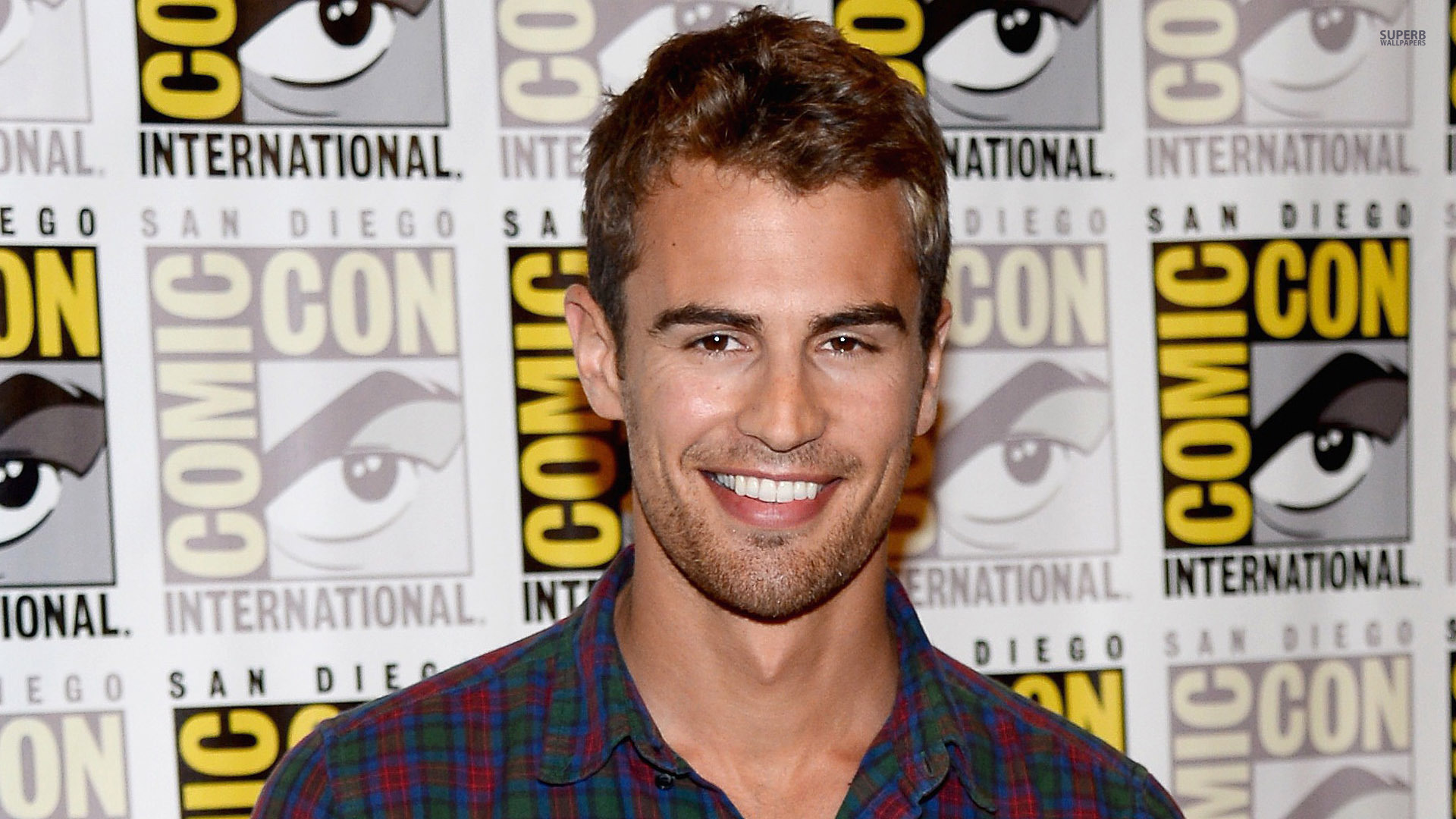 Theo James HD Wallpapers