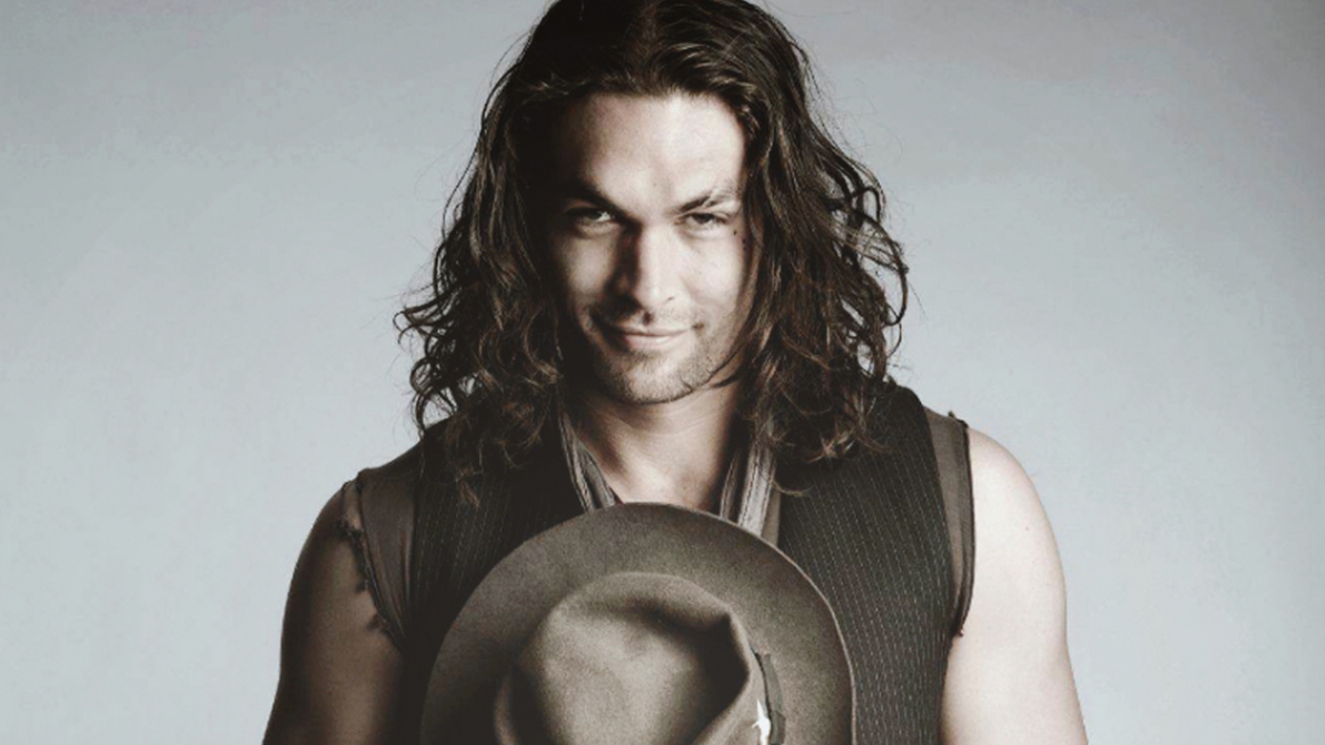 Jason Momoa HD Wallpap... Gerard Butler