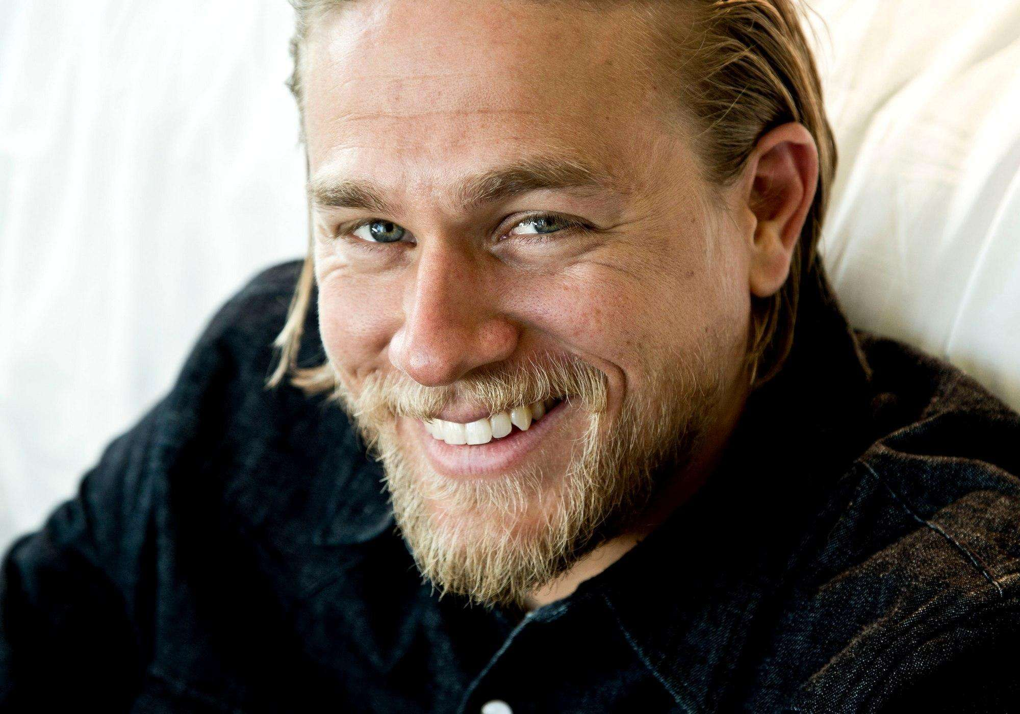 Free Hd Wallpaper Download Charlie Hunnam Wallpaper: Charlie Hunnam HD Wallpapers For Desktop Download