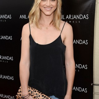 Emily Wickersham wallpapers desktop