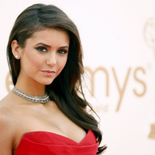 Nina Dobrev download wallpapers
