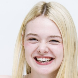 Elle Fanning high resolution wallpapers