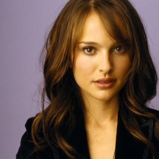 Natalie Portman download wallpapers