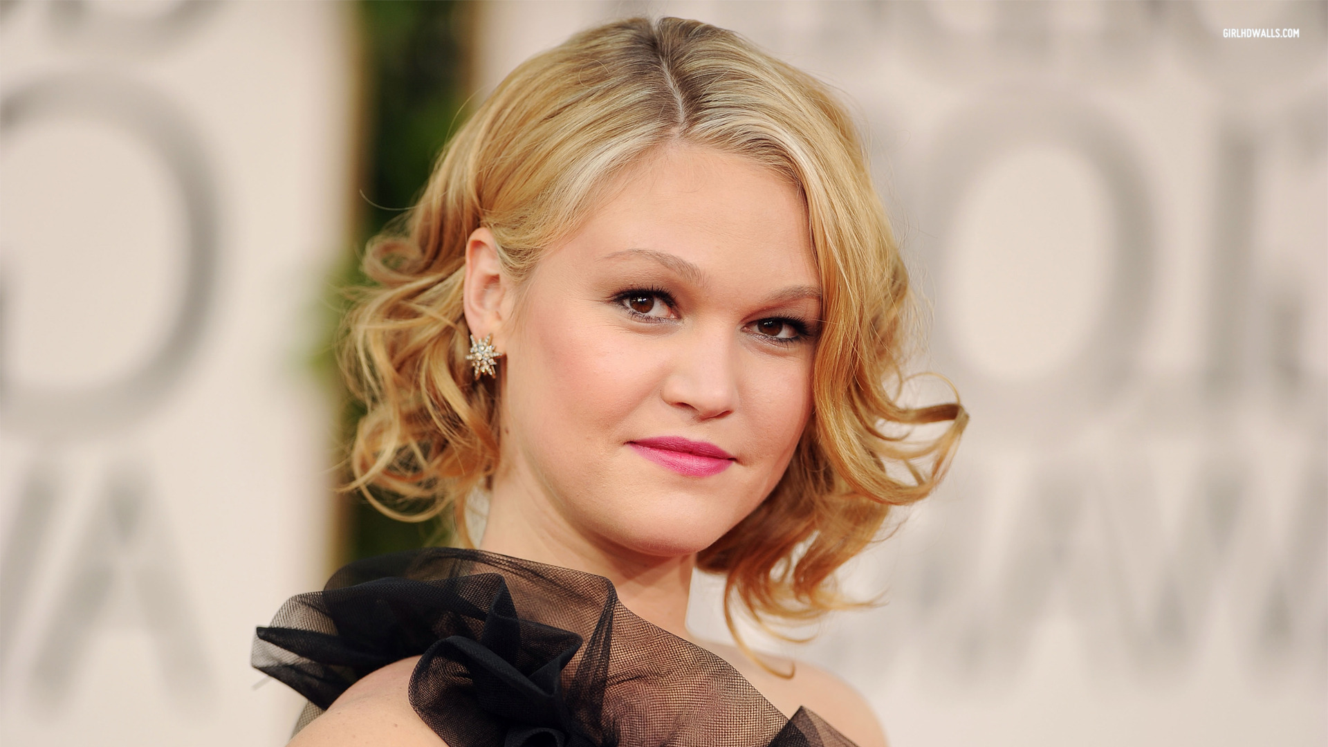 Julia Stiles HD Wallpapers