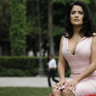 Salma Hayek free wallpapers