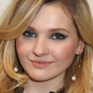 Abigail Breslin high quality wallpapers