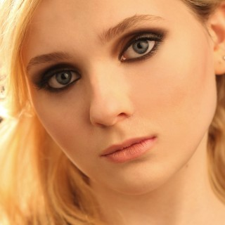 Abigail Breslin free wallpapers