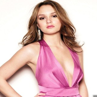 Leighton Meester download wallpapers