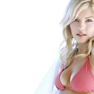 Elisha Cuthbert background